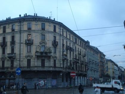 milan-street-scene-2.jpg